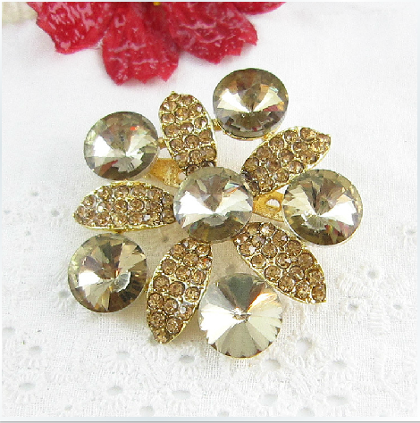 [Star accessories] new fashion gold diamond jewelry flower corsage brooch rhinestone brooch brooch clothing accessories