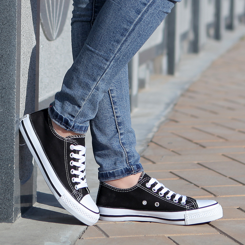 2016 spring new black and white canvas shoes female korean version of the classic casual shoes to help low shoes couple shoes student shoes