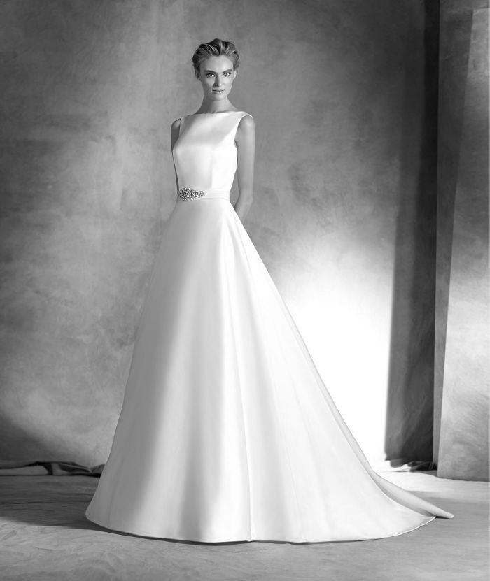 2016 spring new shoulder wedding dress free shipping custom satin halter retro mop tail bride wedding dress qi