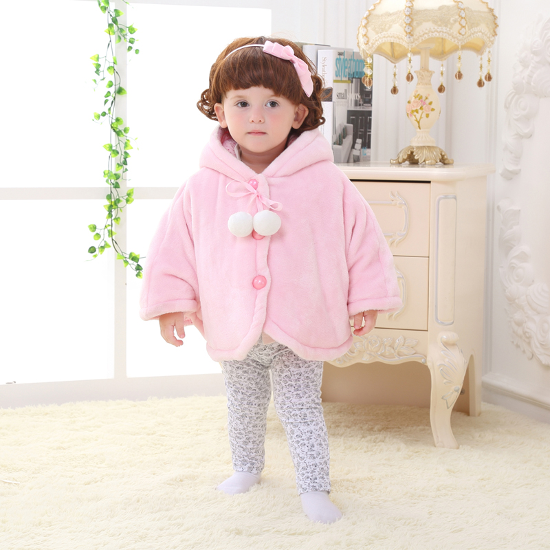 Baby cloak cloak cape infant male and female baby winter models plus cotton long sleeve winter outer cloak hold is out of the baby is one year old