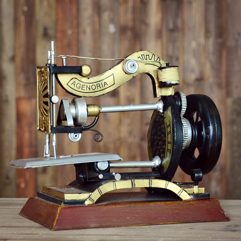 Cheng yi hand to do the old vintage wrought iron sewing machine when shang creative restaurant bar decorative ornaments shop decorations