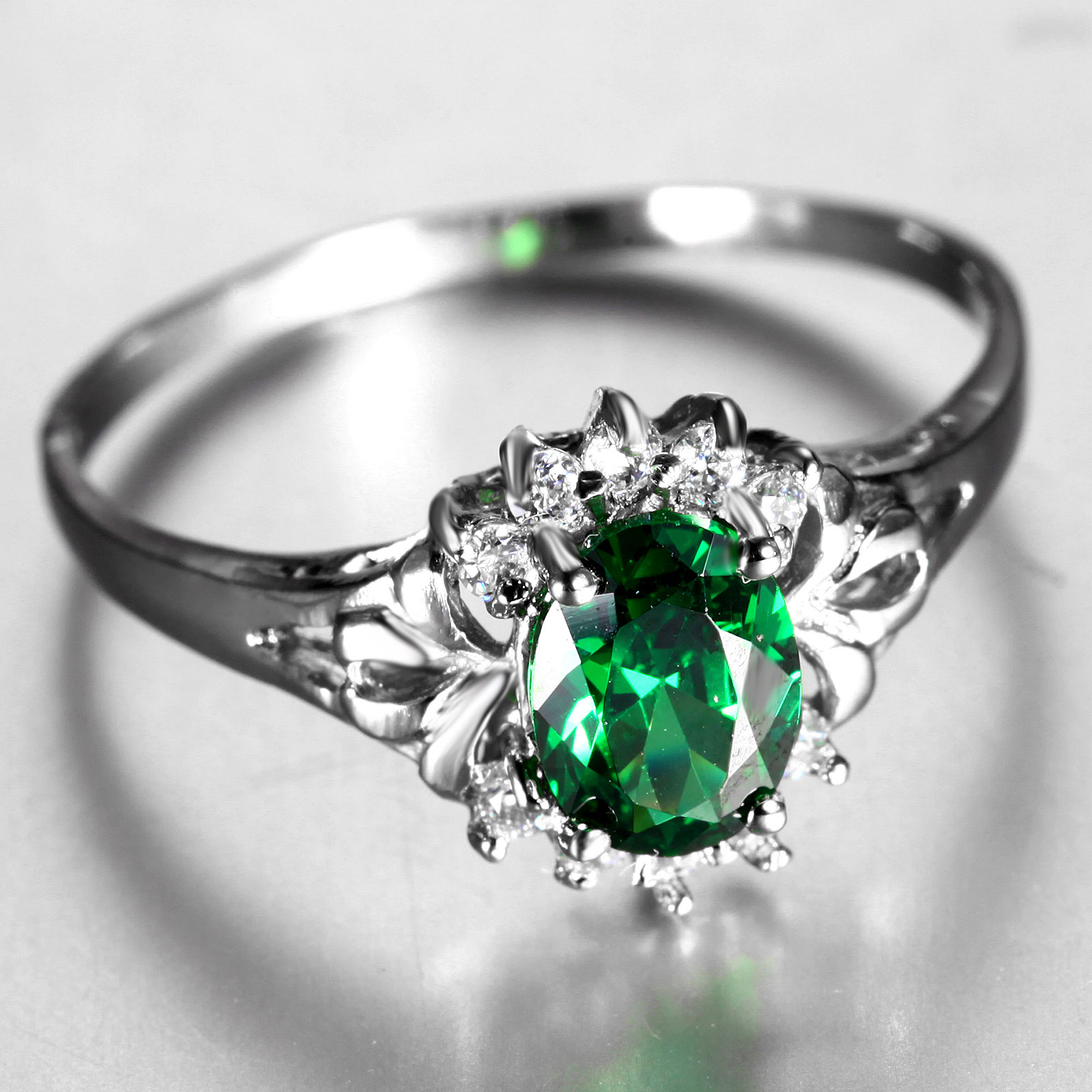 Flammable volcano green synthetic crystal crystal ring finger ring influx of people female korean fashion jewelry personalized jewelry