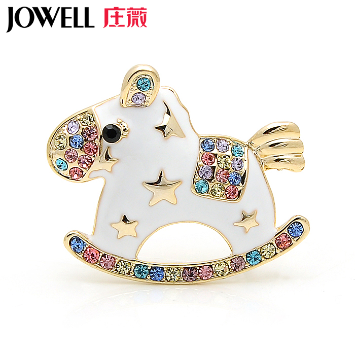 Free shipping new fashion jewelry alloy rhinestone brooch suit female accessories small horse brooch pin brooch korean version of 547