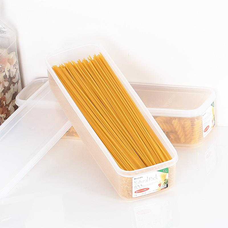 Japan imported pasta pasta box storage box noodles vermicelli noodles rectangular sealed refrigerator crisper plastic box