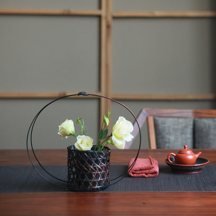 Japanese retro round bamboo flower bamboo flower basket flower arrangement is hanamichi ornaments home decor