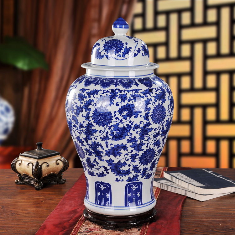 Jingdezhen ceramic vase retro blue and white porcelain vase ornaments home living room ornaments generals tank storage tank
