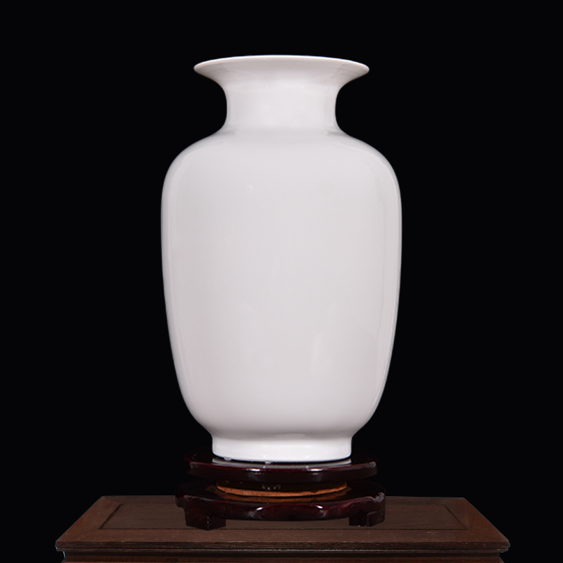 Jingdezhen ceramic white ceramic vase aquarium ornaments home accessories flowers into a pure white floral bottle decorative bottle