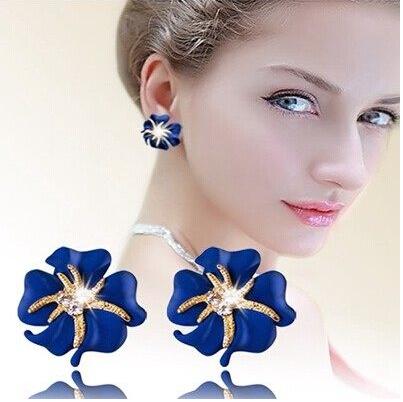 Korean version of the fairy flowers temperament flash diamond starfish earrings earrings temperament exaggerated female jewelry earrings ear buckle