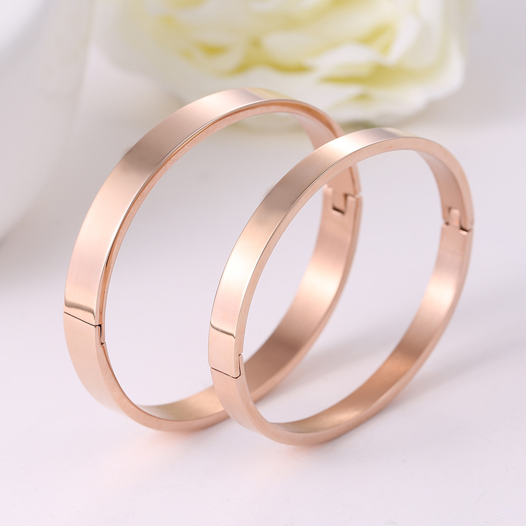 Korean version of the k rose gold color gold plated bracelet couple male and female models glossy simple titanium steel jewelry can be engraved bracelet