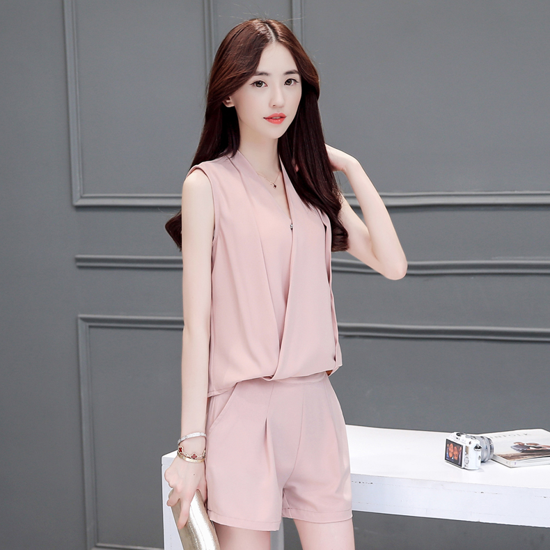Lolita ya homes in europe station 2016 summer female suit wide leg was thin v-neck t-shirt short pants fashion piece Sleeve tide