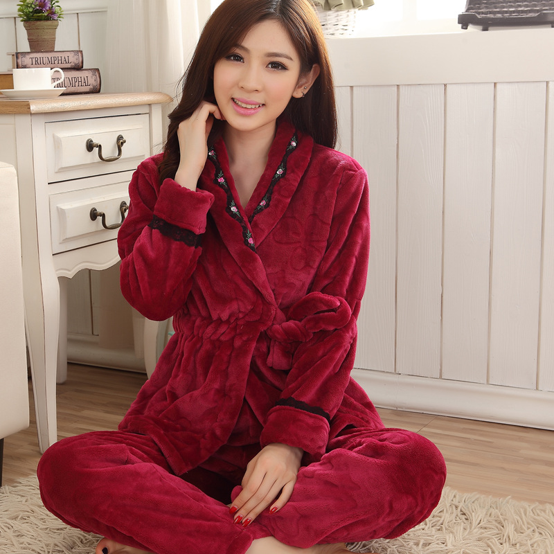 Lovely autumn and winter pajamas female thick coral velvet lace long sleeve pajamas suits cartoon flannel pajamas suit
