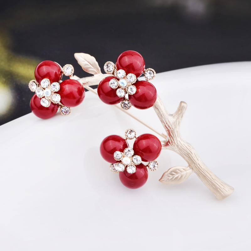 918f74f3046 Get Quotations · Lydie kana crystal brooch pin brooch korean version of the  female family name wind ms.