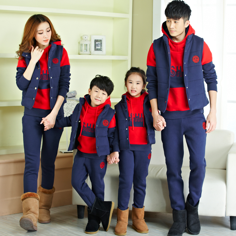 Men plus thick velvet warm winter sports suit lovers sportswear female big yards even cap leisure sports three sets