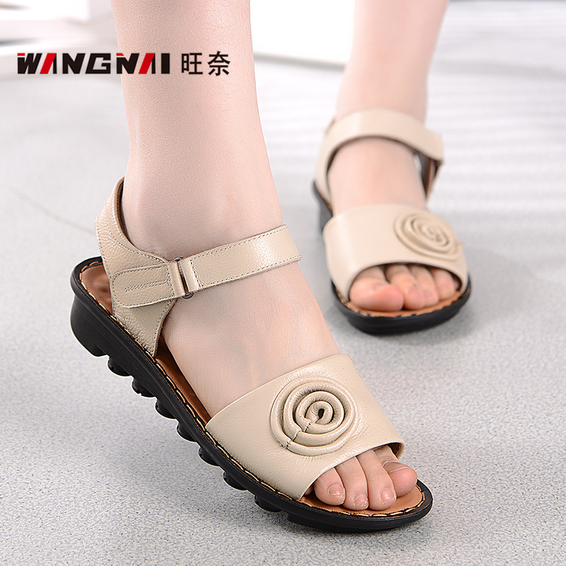 Mong nai 2016 models large size shoes and comfortable flat with middle-aged mother shoes leather sandals soft bottom middle-aged middle-aged women sandals