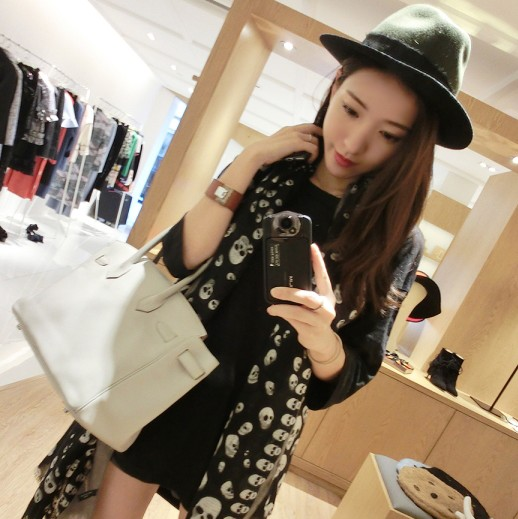 Ms. autumn 2015 autumn and winter new korean version of the custom skull print scarf scarf draped shoulder