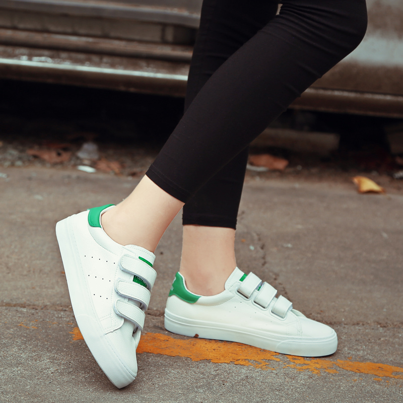 People in this 2016 autumn new fashion simple white shoes velcro shoes student shoes breathable shoes women shoes comfortable canvas shoes