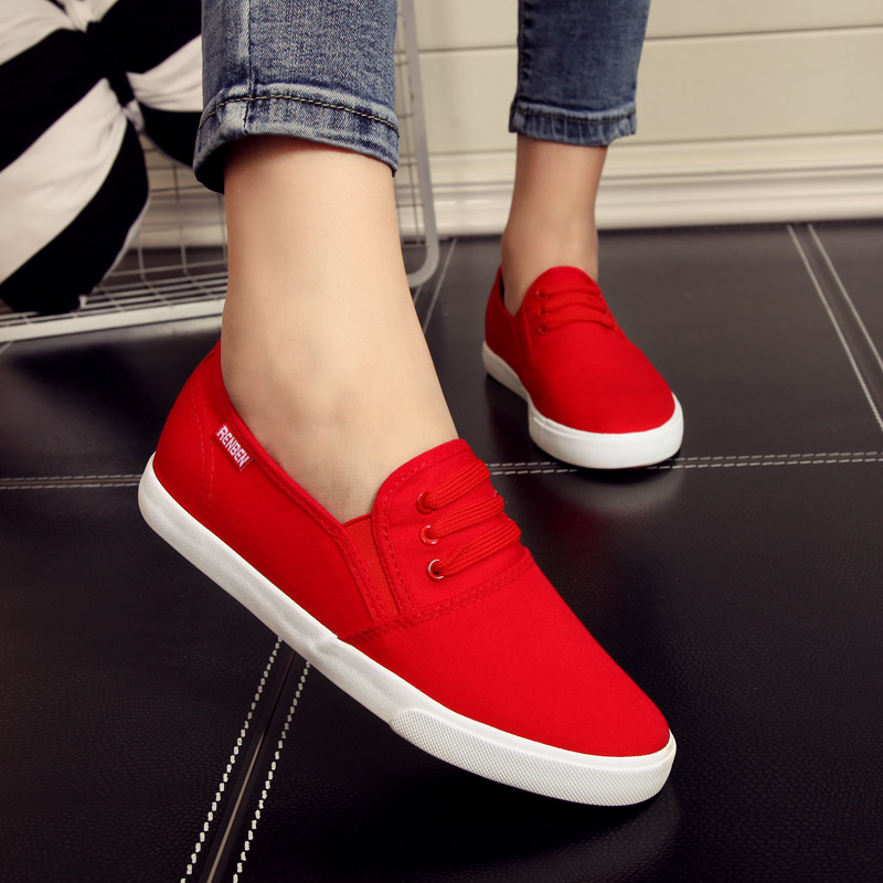 People in this summer casual shoes women shoes canvas shoes women shoes red flat shoes student shoes a pedal lazy shoes