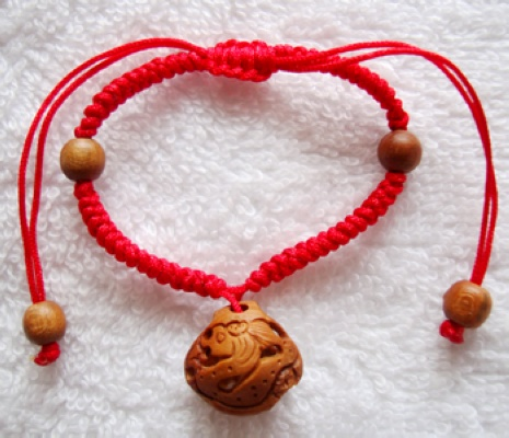Snake dragon peach red string bracelet handmade knitting nuclear carving wood carvings 12 zodiac rat snake baby child