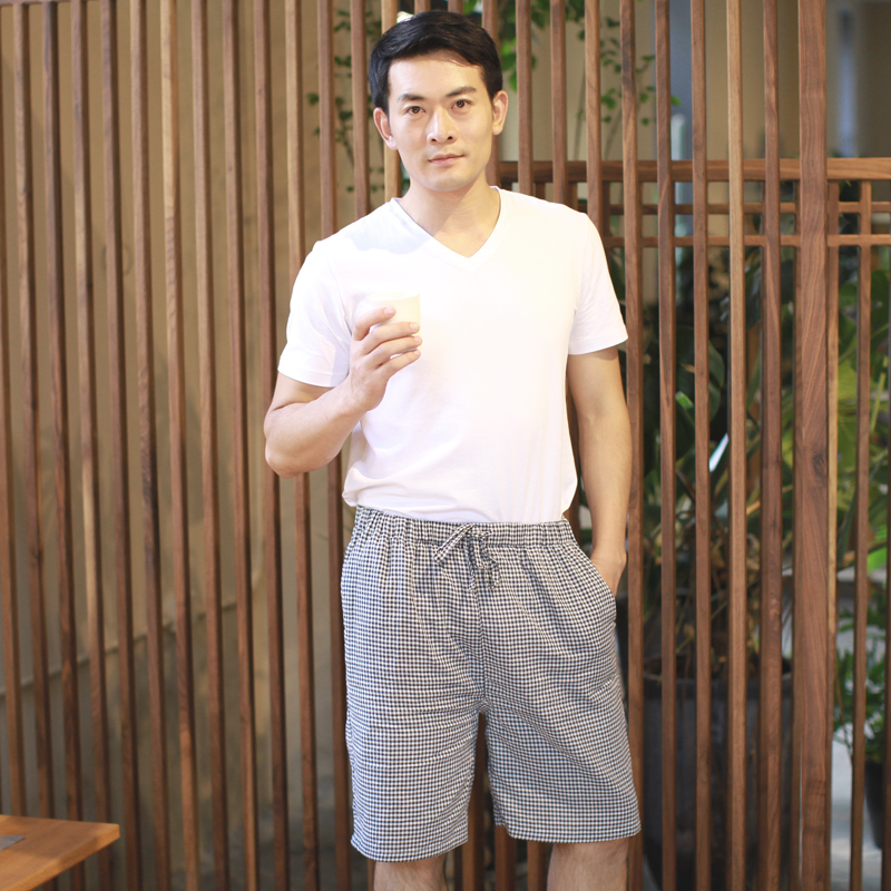 Summer cotton shorts male japanese comfortable home small plaid cotton beach pants pajama pants thin section can waichuan