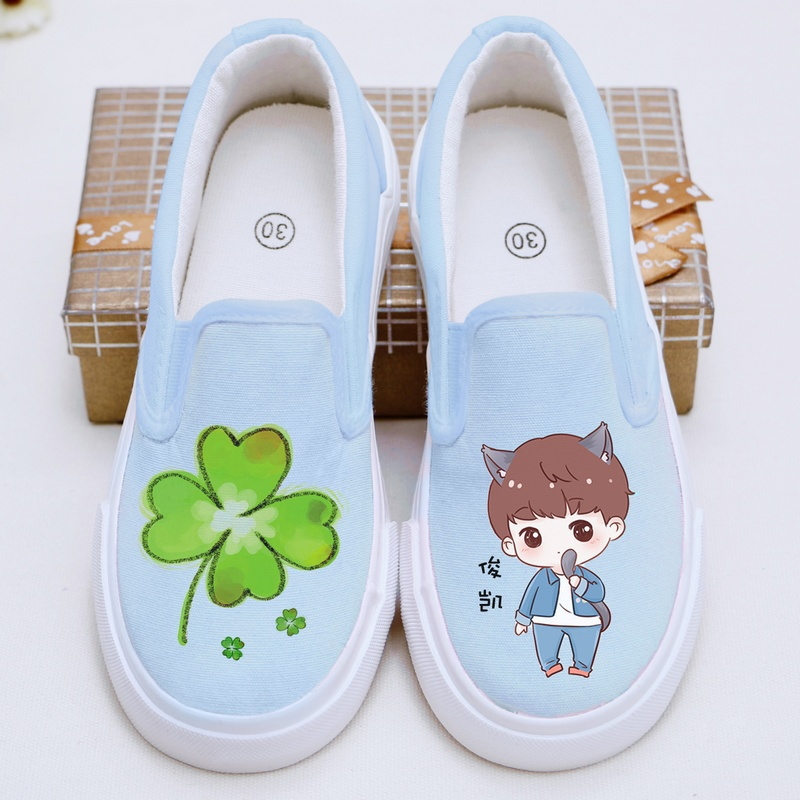 Tfboys clover men and women's shoes children's shoes canvas shoes shoes a pedal sets foot shoes lazy shoes tide students