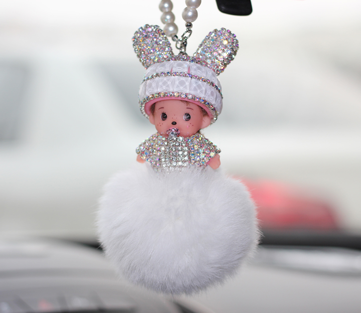 The new rabbit fur hooded qiqi diamond pendant car rearview mirror car hanging ornaments car key ring diamond