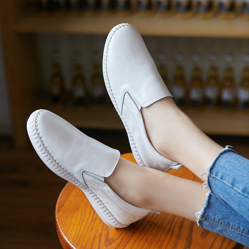 The new white shoes women leather flat shoes loafers shoes casual shoes women's singles sets foot shoes women shoes