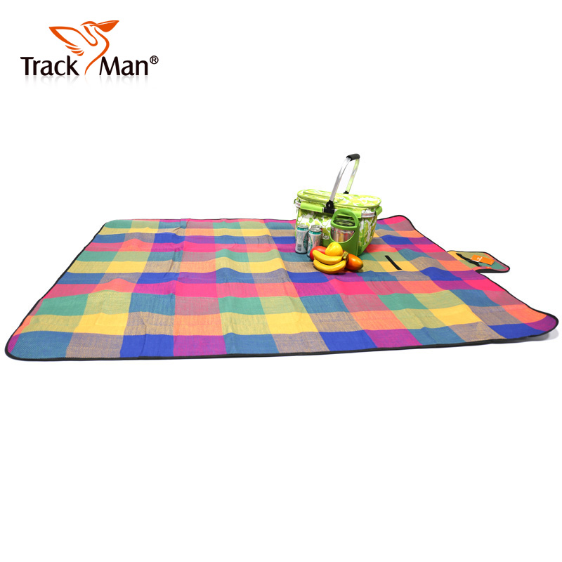 Trackman ziyou ren outdoor picnic mat moisture pad beach mat camping pad to increase the park lawn 6410