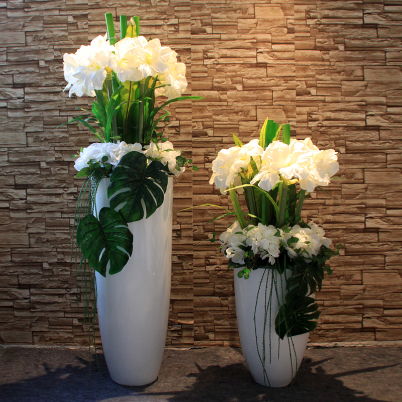 Wo + package logistics landing large vase with artificial flowers clivia hydrangea floral suit hotel company front desk