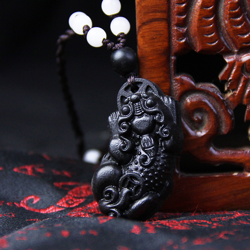 Xing yun court brave ebony wood carving wood carving wood pendant pendant wooden jewelry carry pendant picchu