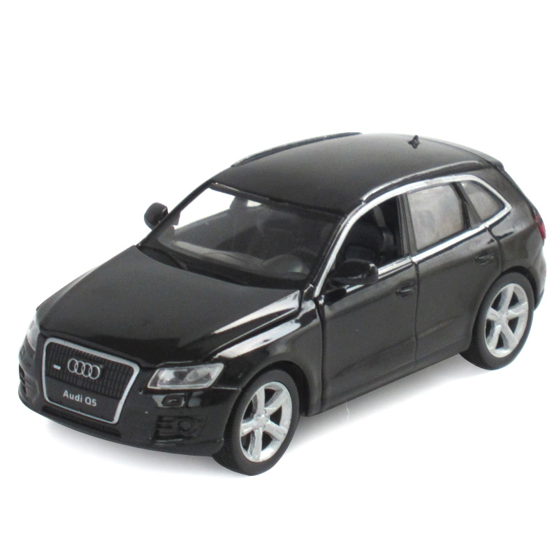 1:32110 q5 audi cars toy car model children's toy car back to force open the door alloy car sound and light