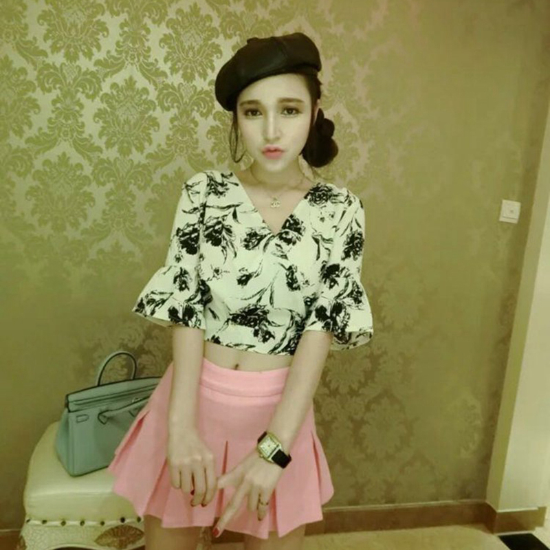 16 spring and summer v-neck short sleeve trumpet digital printing back bow blouse + = sweet pleated skirt suit female