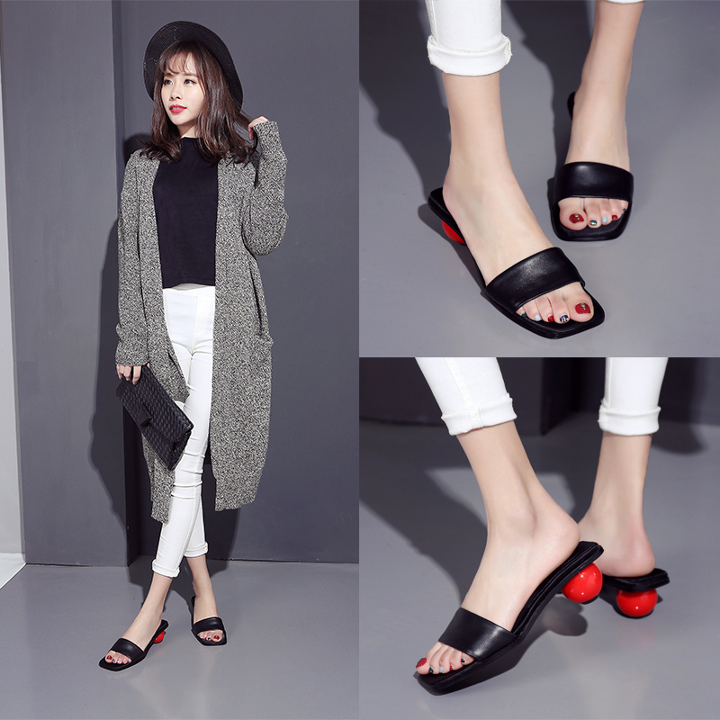 2016 new summer sandals and slippers female leather slippers with the female in ball with a black square head in europe and america sandals open toe sandals