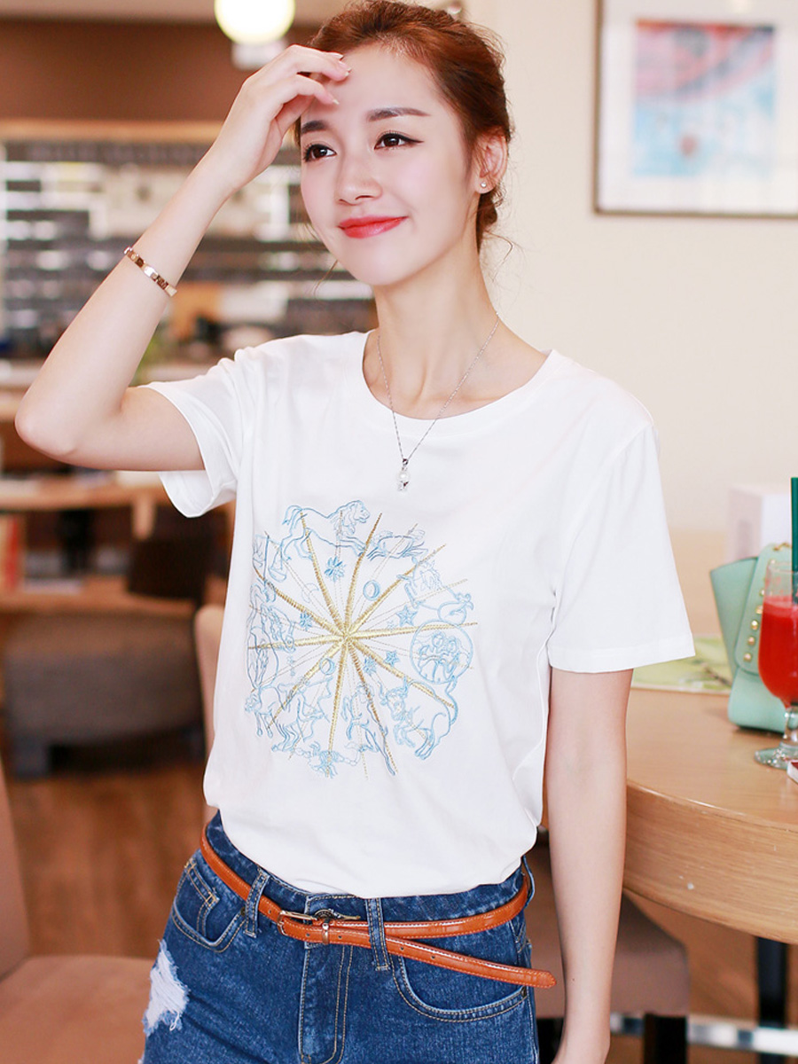 According to miriam lufthansa chic embroidery pattern round neck short sleeve t-shirt