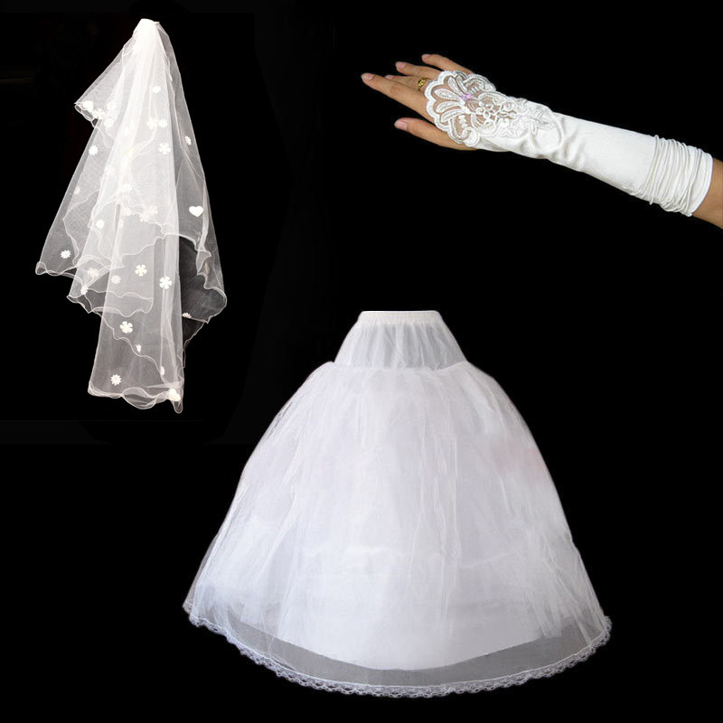 After the purchase of the door of the bride wedding, plus 128 yuan, you can get a copy of the package (panniers, veil , Gloves)