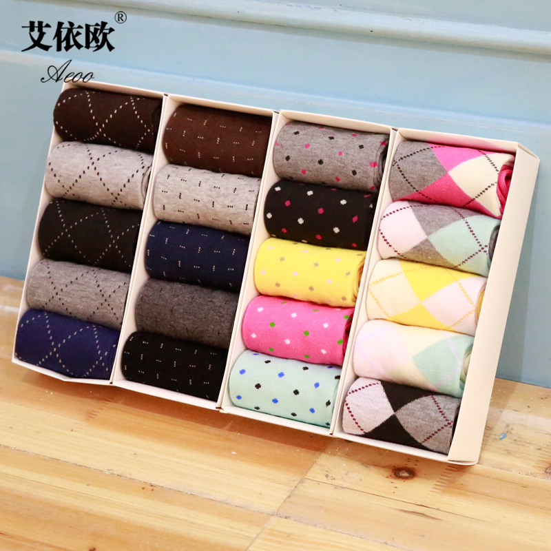 Ai according to the european men and ladies spring and summer in tube socks deodorant socks gift socks five pairs of socks lovers socks (amoy grab)