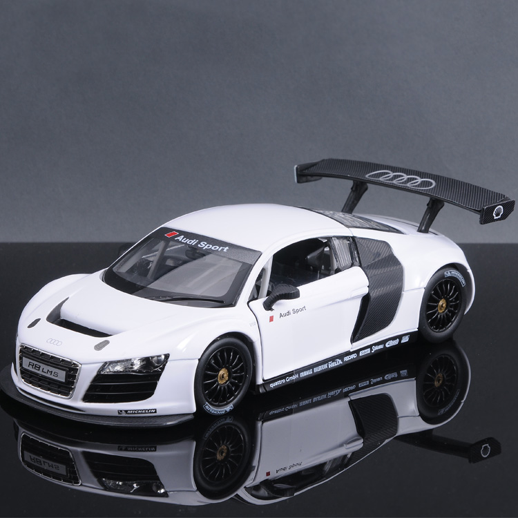 Audi r8 car model alloy metal car model boy toy car model simulation of children 1:242014