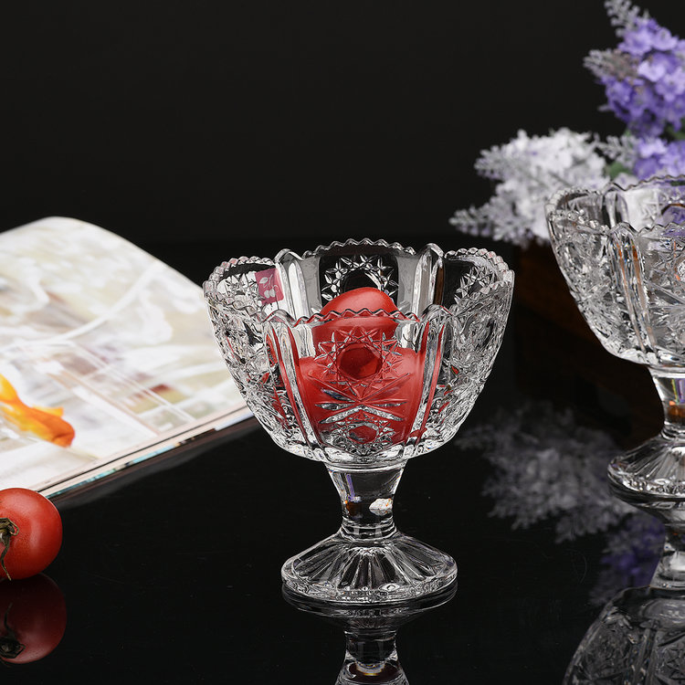 Carved crystal glass ice cream cup sand ice bowl dessert bowl salad bowl of ice cream cup cold drink cup restaurant