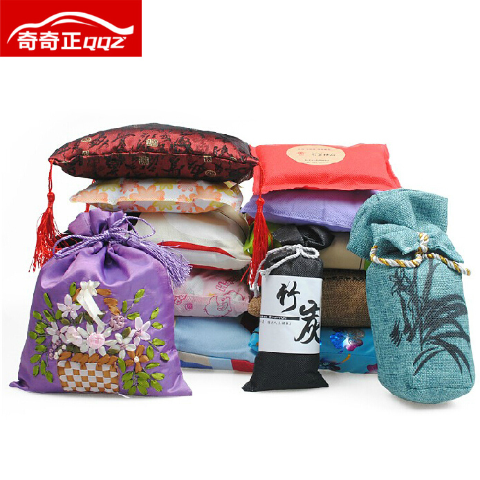 Charcoal package decoration in addition to formaldehyde odor absorbing rule the family car to taste bamboo charcoal bag