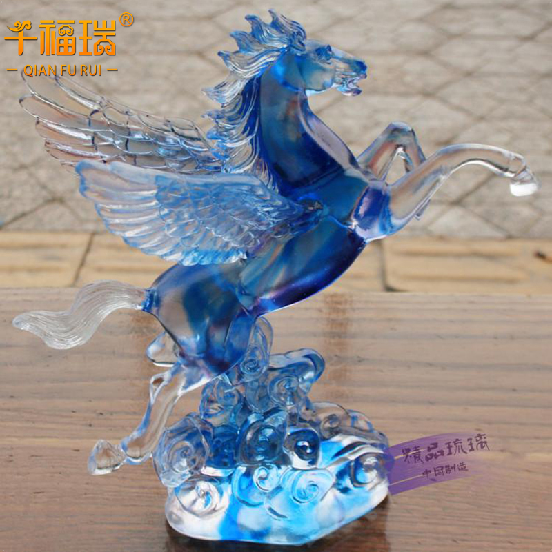 Creative crystal glass horse ornaments office den living room tv cabinet ornaments to send the leadership gift horse