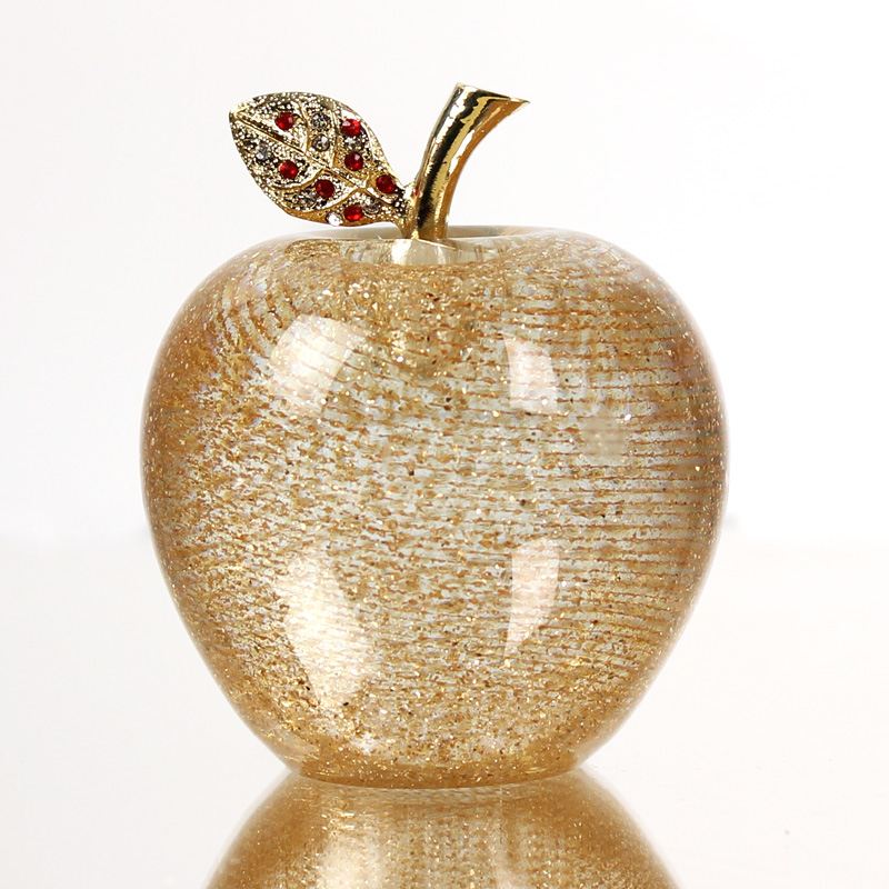 Crystal glass golden apple creative christmas gift to send boys and husband boyfriend 100个of christmas gift peace fruit