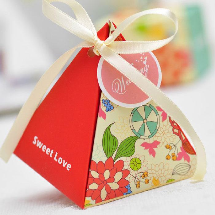 European candy box candy box candy box wedding supplies wedding celebration triangle floral creative candy box candy box packaging bags
