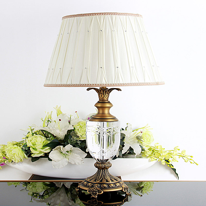 European minimalist noblemen copper inlaid crystal lamp romantic wedding crystal table lamp bedroom bedside lamp omj