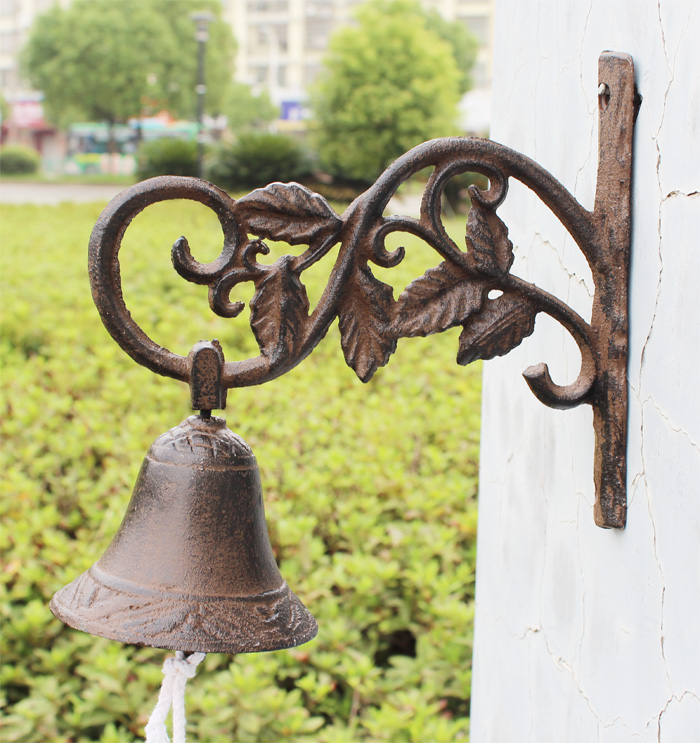 Ge jia rui seoul castiron european and american retro rural countryside iron wall art doorbell welcome doorbell ringing hand bell in front