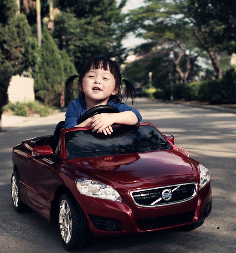 Happy life children volvo electric car can sit four toy car remote control car children electric car