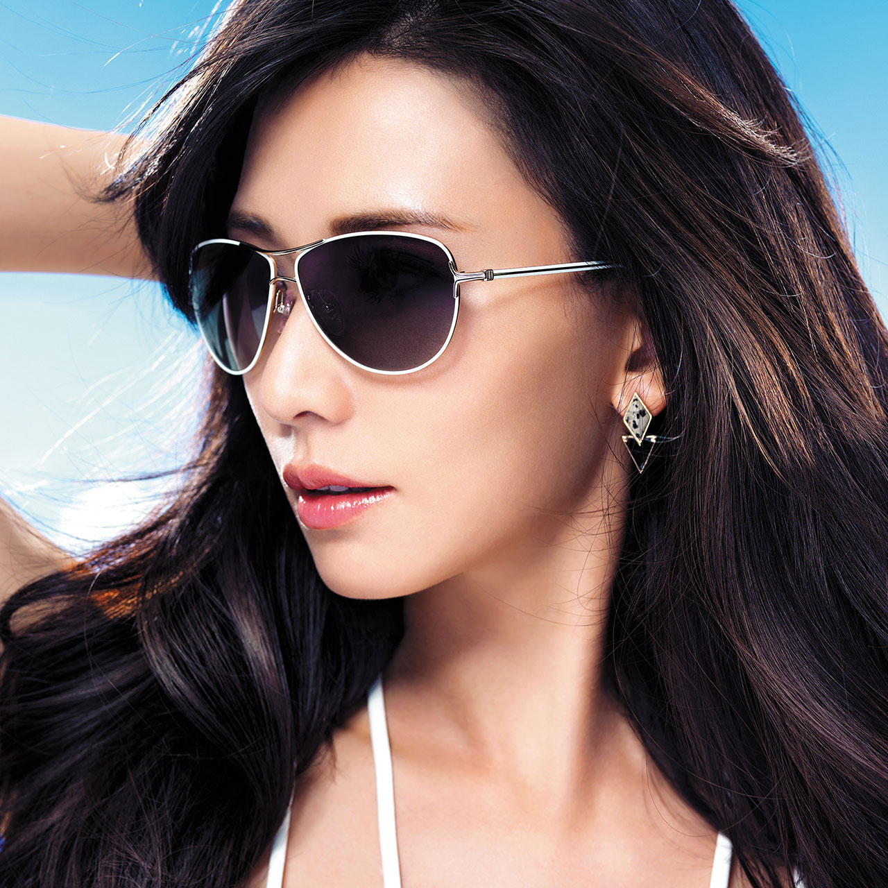 c90412c2aba Get Quotations · Helen keller sunglasses new female personality influx of  people sunglasses driver polariscope white small round frame