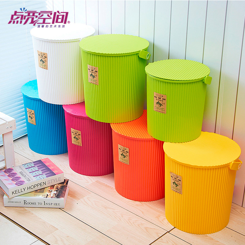 Household portable small bucket fishing bucket thicker plastic bucket with lid storage tank mounted bucket bucket to mention buckets