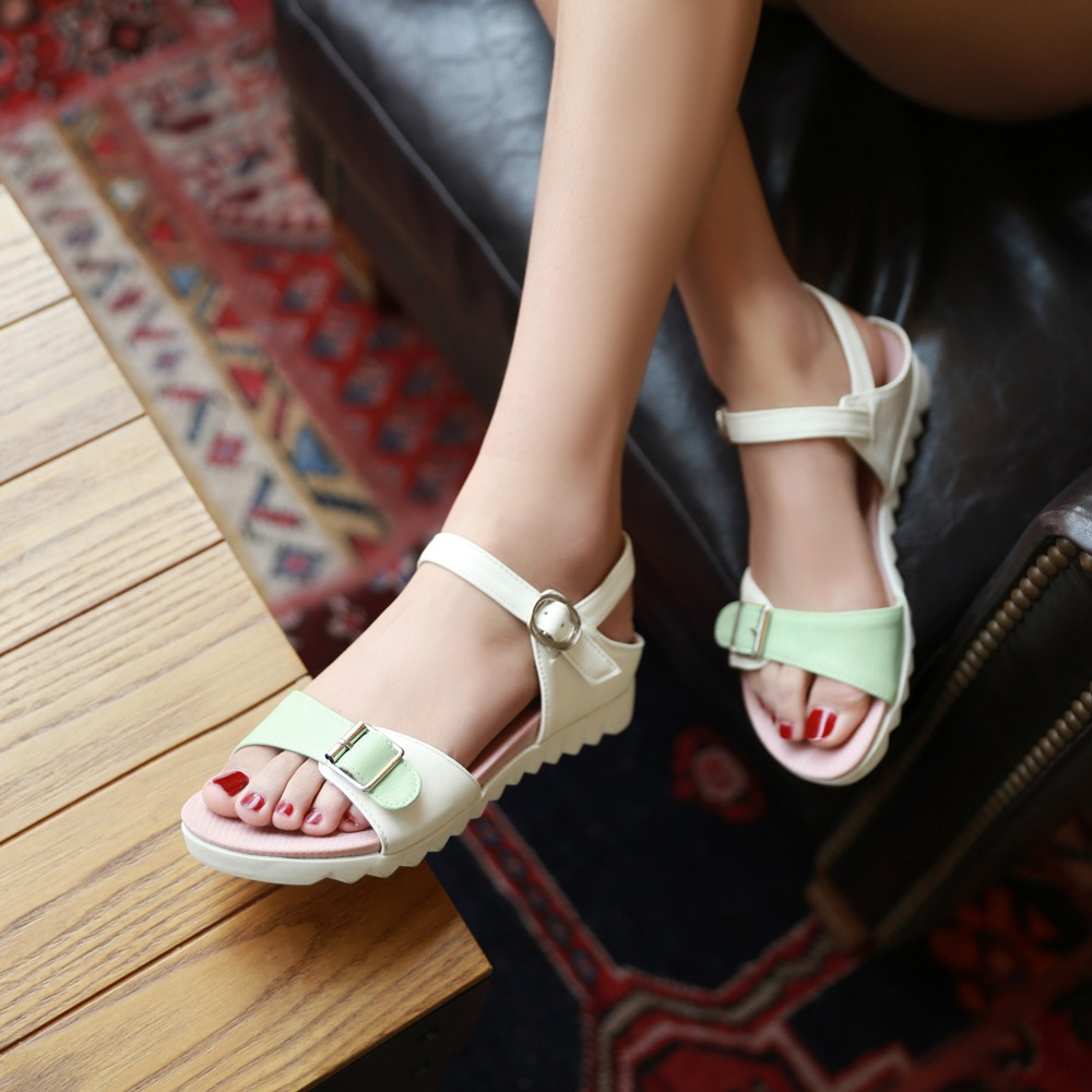 In the summer of 2016 female summer sandals flat sandals slip mom mom shoes in the shoe heel shoes girls junior high school students shoes casual beach shoes