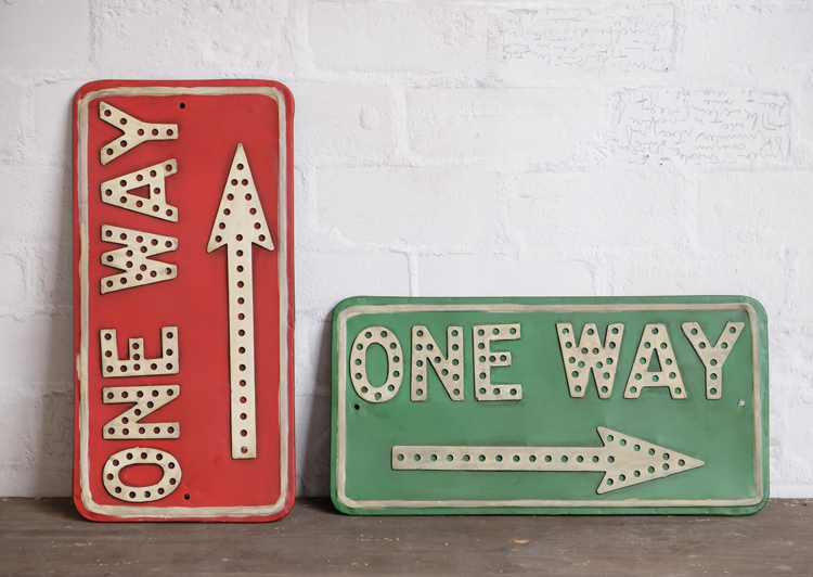 Industrial loft american country style retro to do the old wrought iron letters of the alphabet red and green arrow head mural wall hangings
