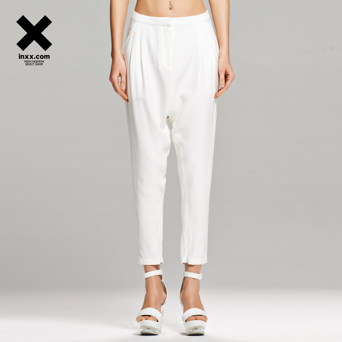 [Inxx] cameo white loose nine points slacks limited edition authentic CA41230713