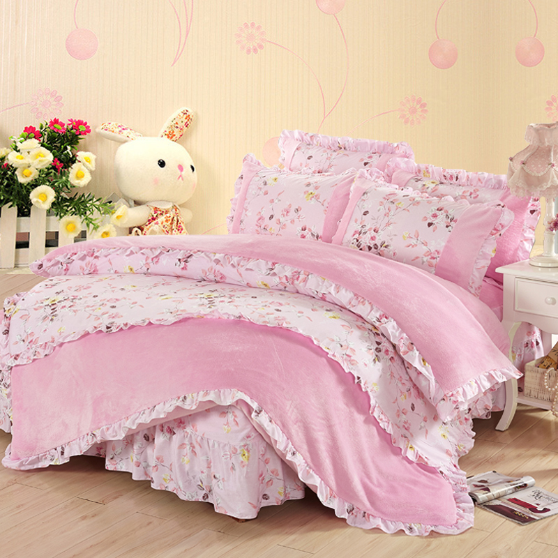 Korean version of flannel pajamas coral velvet bedspread bed skirt a family of four warm winter lace skirt style 1.5/1.8/m bed